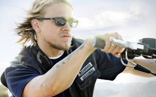 jax-teller-sons-anarchy-serializados-hbo-series